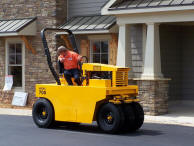 Model 700 - Seven Wheel Pneumatic Asphalt Roller